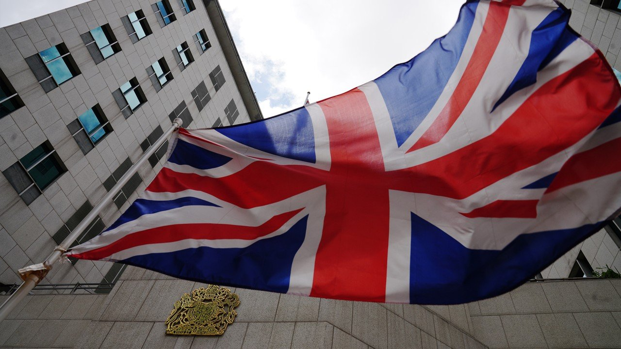 What does Beijing's current silence over Britain's citizenship offer to Hongkongers mean for the fate of BN(O)?