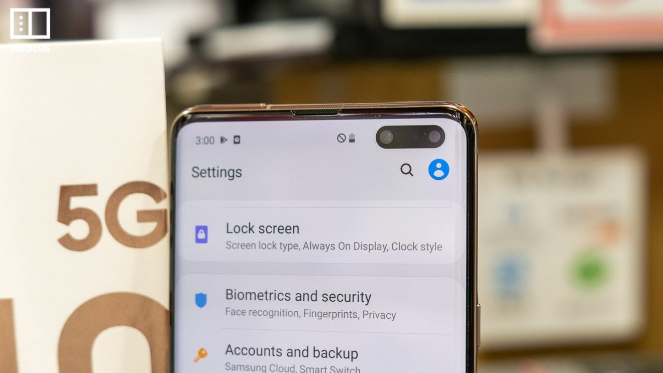 Samsung S10 5G first look: A supersized phone with six