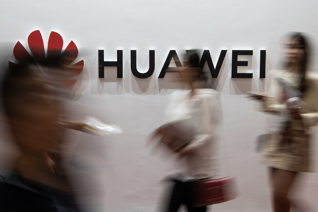 Huawei to launch Mate 30 flagship without Google apps and