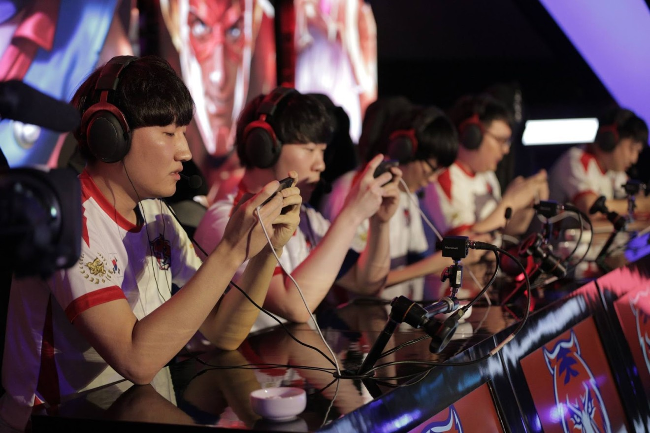 How smartphones are going to change League of Legends ...