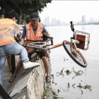 Mobike and Ofo salvage thousands of abandoned bikes from rivers