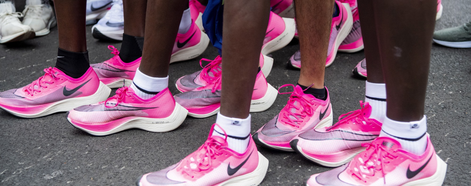Eliud Kipchoge and his pacers wear Vaporfly when he sets the unofficial marathon world record at 1 hour 59 minutes 40 seconds at the event. Photo: EPA-EFE