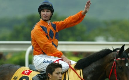 Glyn Schofield returns after winning the 2004 QE II Cup aboard River Dancer at Sha Tin. Photos: Kenneth Chan
