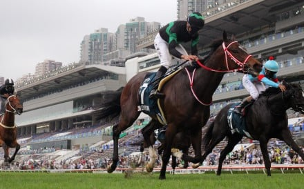 Vincent Ho and Loves Only You (black and green silks) win the QE II Cup. Photos: Kenneth Chan