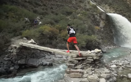 A racer competes at the Yading Skyrun in Sichuan. Photo: YouTube/China Mountain Trails