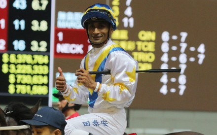 Karis Teetan gives a thumbs up after winning on Hong Kong Bet at Happy Valley. Photos: Kenneth Chan
