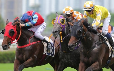 Vincent Ho just gets London Hall (right) over the line to win at Sha Tin on Saturday. Photos: Kenneth Chan