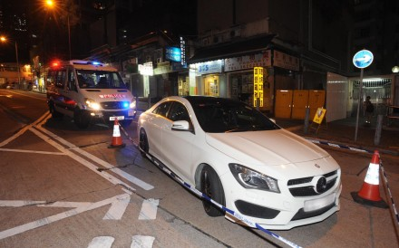 Police intercepted a white Mercedes-Benz and another car at the junction of Shek Kin Street and Ta Chuen Ping Street in Kwai Chung. Photo: Handout