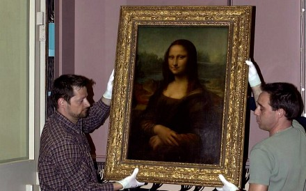 The Mona Lisa during a previous move. Photo: Reuters