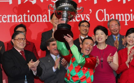 Frankie Dettori celebrates after winning the International Jockeys' Championship in 2011. Photos: Kenneth Chan