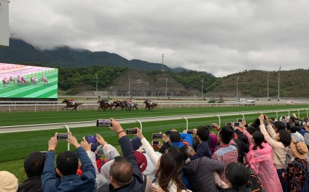 Horses thunder down the straight at the first Conghua meeting. Photos: Kenneth Chan