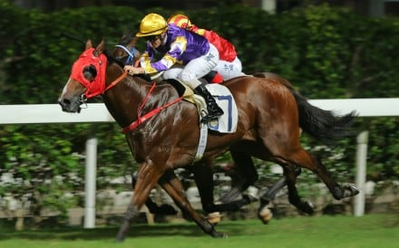 Golden Dash salutes at Happy Valley in June last year. Photos: Kenneth Chan