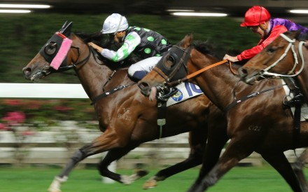 This Is Class dashes clear to win at Happy Valley. Photos: Kenneth Chan