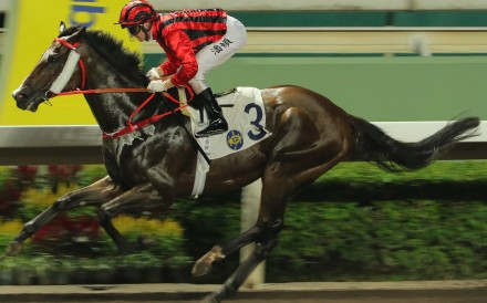 Zac Purton and Kings Shield kick clear of their rivals at Sha Tin on Wednesday night. Photos: Kenneth Chan