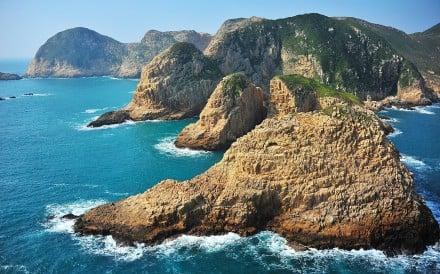 Basalt Island has no pier or tourist facilities. Photo: T.K. Woo
