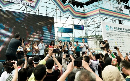 The prize-giving ceremony for the women's winners at Chongli, where crowds of runners and fans mark the return of the 'old normal'. Photo: Handout