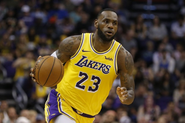 25 million Chinese fans streamed the NBA's opening game on Tencent