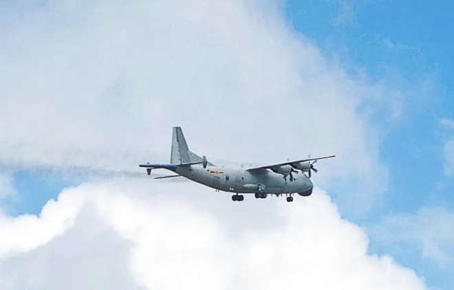 The Chinese military conducted an anti-submarine drill with dual aircraft over the South China Sea in early March.