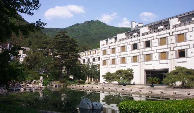 The Fragrant Hill Hotel opened in 1982 in Beijing was Pei's first project in mainland China. He turned down the government's original invitation to build skyscrapers at the heart of Beijing. Instead, he chose to build a four-story modernist hotel in the style of Chinese classical gardens in a suburb of the capital.