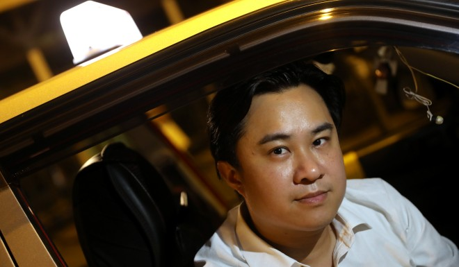 These Hong Kong taxi drivers help anti-government protesters for free