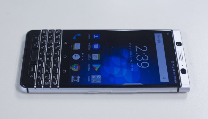 China's BlackBerry maker stops making BlackBerry phones this year