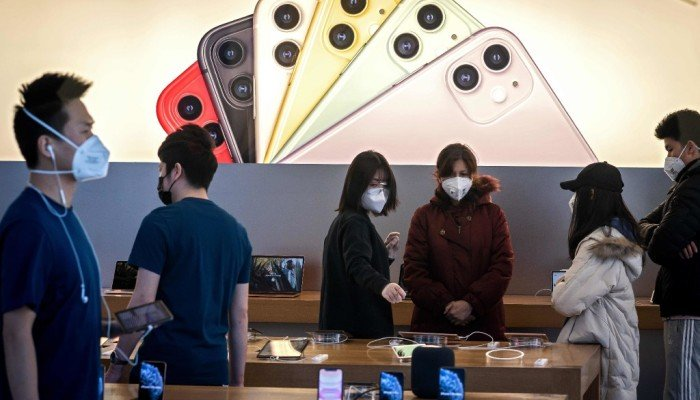 Apple retailers in China offer steep iPhone 11 discounts to bolster demand