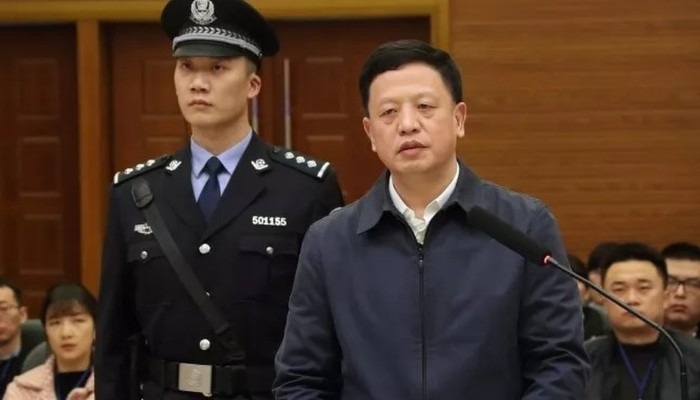 Corrupt ex-official who collected rare orchids, Mao-tai jailed 20 years