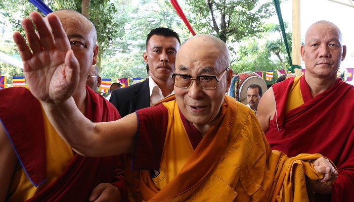 US bill demands Tibet consulate, warns China off Dalai Lama succession