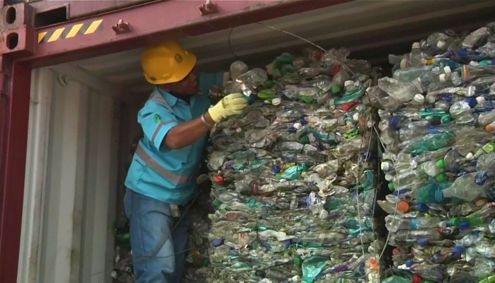Indonesia returns more waste to Western countries