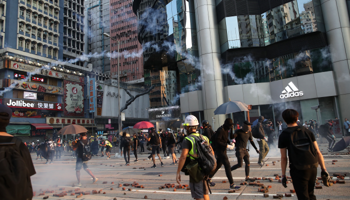 Clashes in Kowloon on 20th weekend of Hong Kong protests