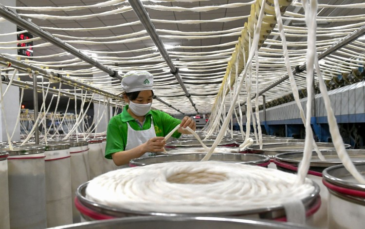 Li Keqiang Says It's Time For Chinese Government To 'turn The Blade Inward' To Boost Jobs Growth