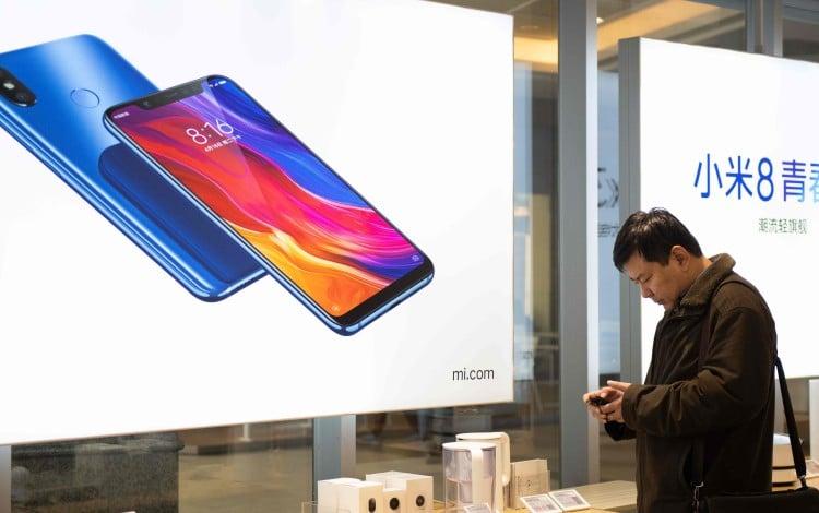 Investors Fret About Xiaomi's Game Plan, Sending Shares Tumbling