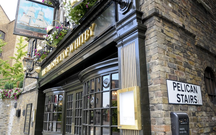 Li Ka-shing's CK Asset Offers To Pay US$3.27 Billion To Buy Greene King, Operator Of 2,700 Pubs, Restaurants And Hotels In UK