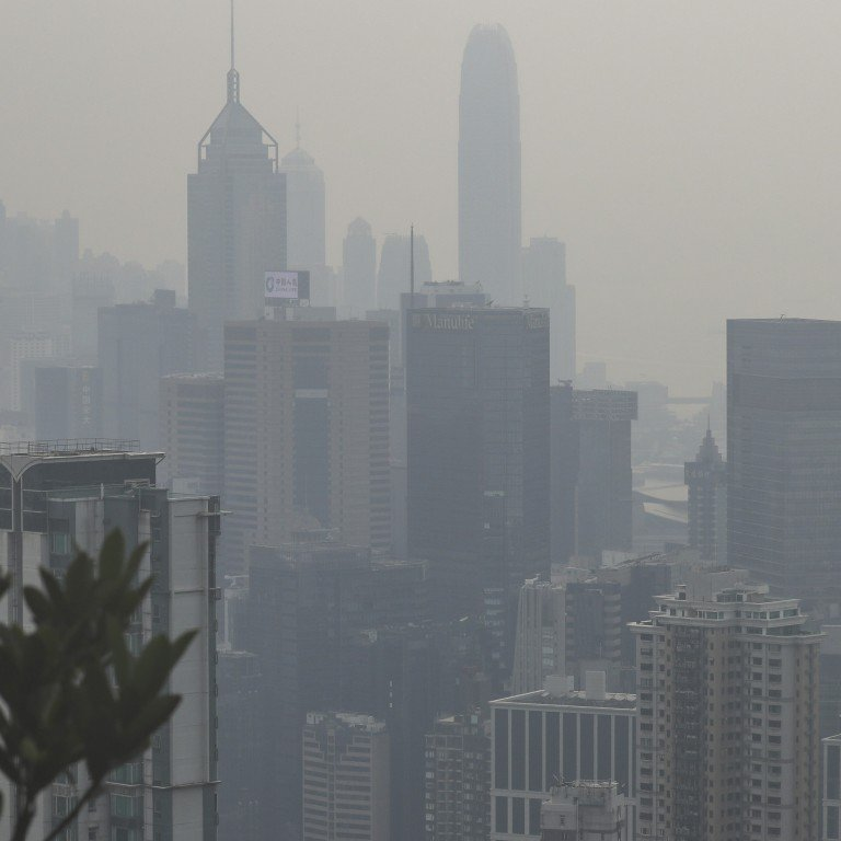 Most Hong Kong Residents Oppose Government's New Air