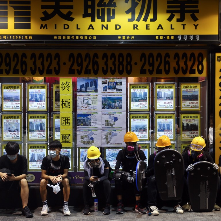 Hong Kong's expat workers enjoy better pay packages as perks
