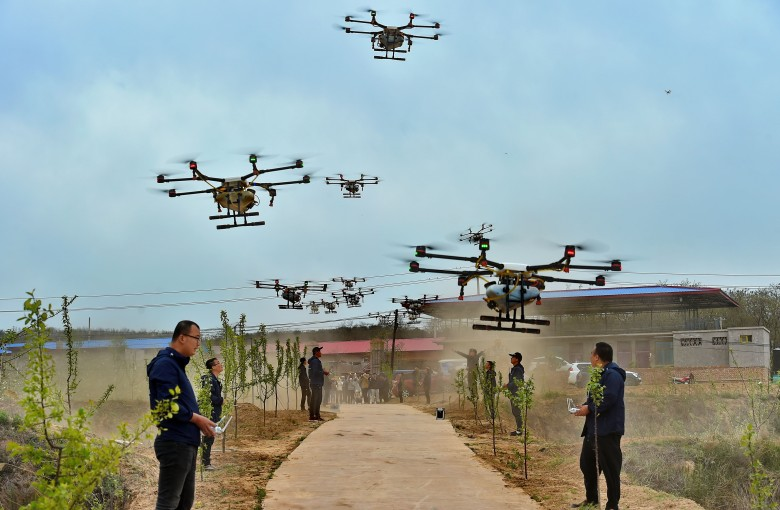 China's soaring market for drone-flying farmers
