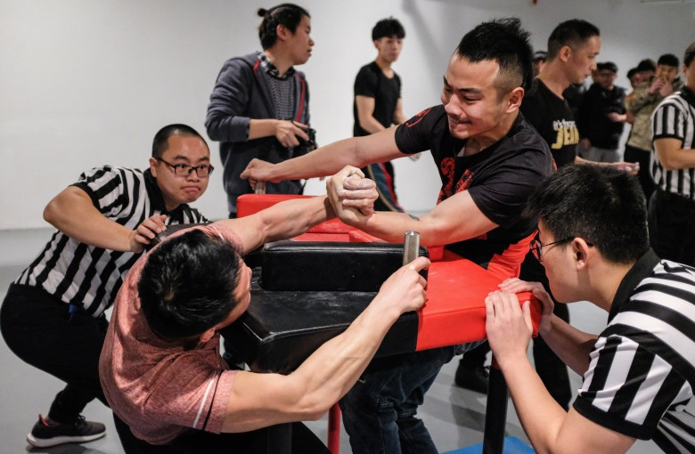 Arm wrestling for glory in China