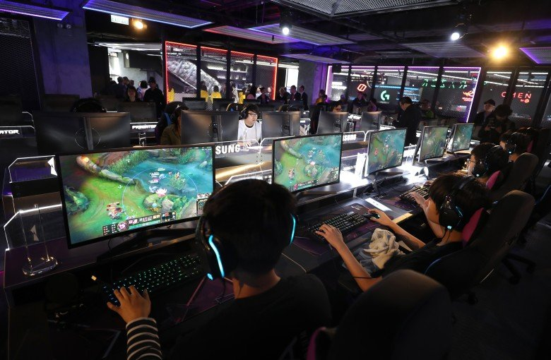 China's new rules on video games: no blood, dead bodies, or mahjong