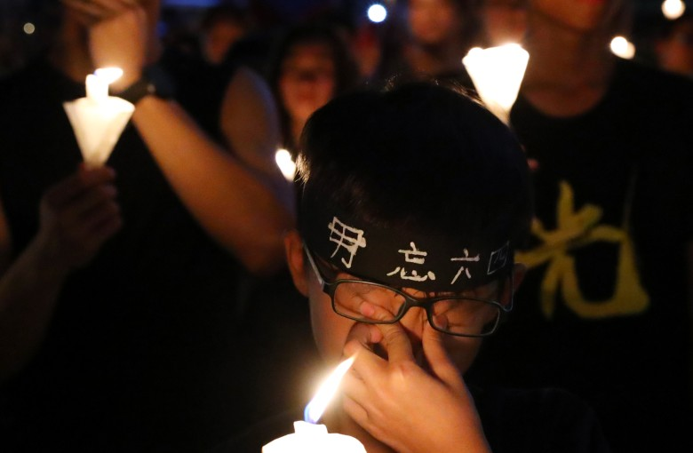 Candlelight keeps Tiananmen memories alive