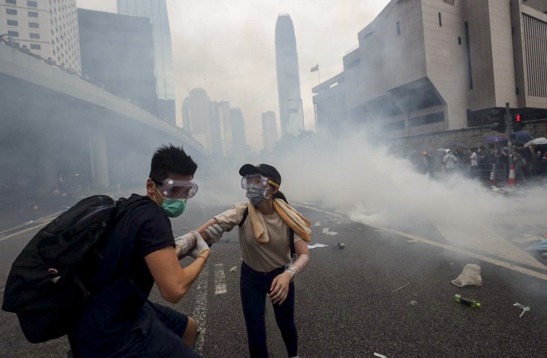 Inkstone answers: how do Hong Kong protesters rest, eat and pee?