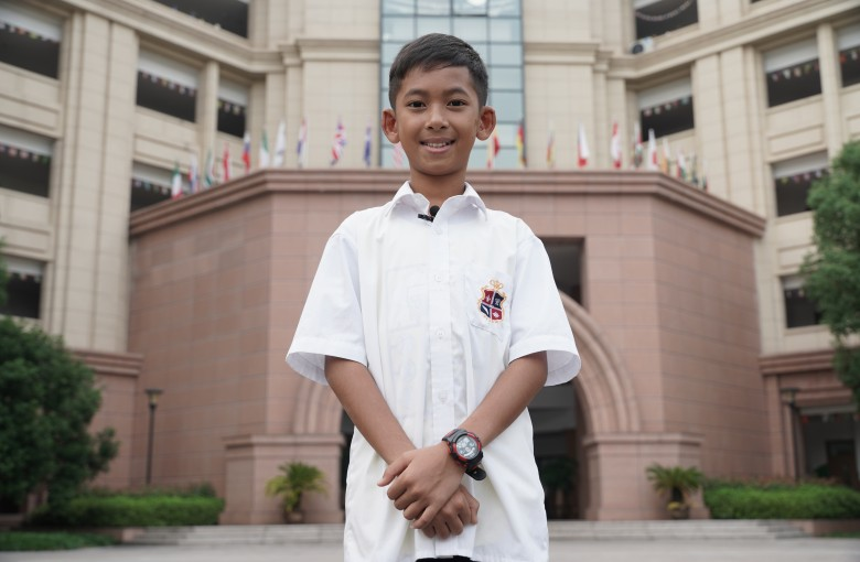 Multilingual Cambodian boy now studying hard in China
