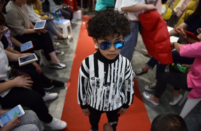 Child modeling in China grows despite controversy