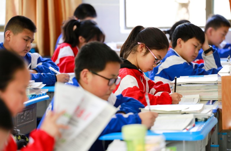 'War and Peace' in 15 minutes? Speed reading classes ridiculed in China