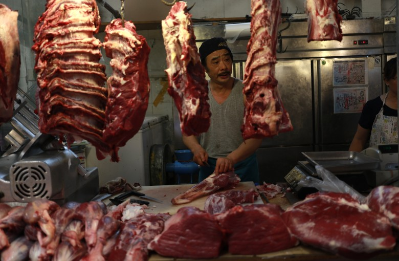 China's pork shortage puts dog meat back on the menu