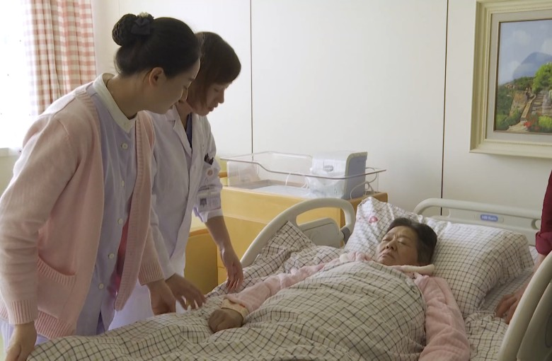 Doctor says 67-year-old mother in China conceived naturally