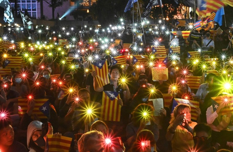 Hong Kong and Catalonia: two protest movements compared