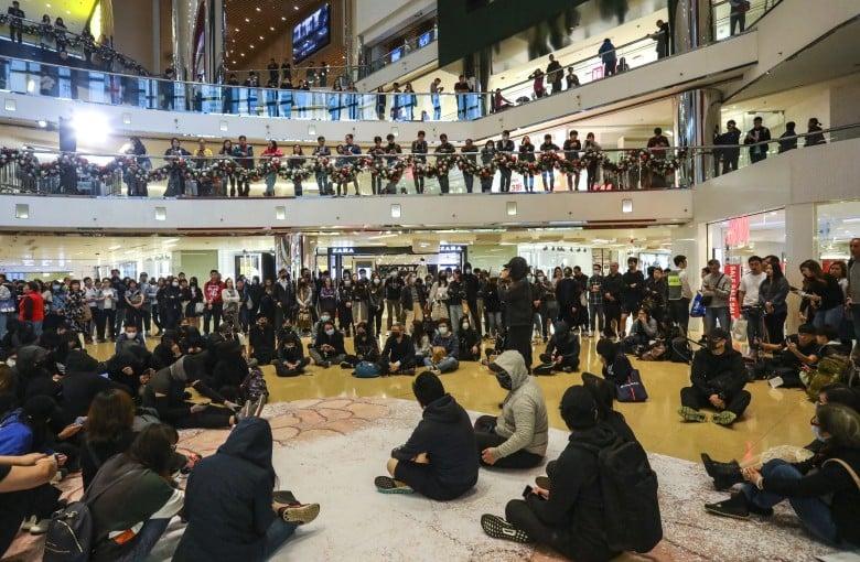 Protesters target Hong Kong malls for 'Christmas shopping'