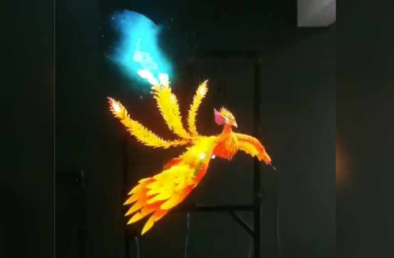 This gadget brings Phoenix to life