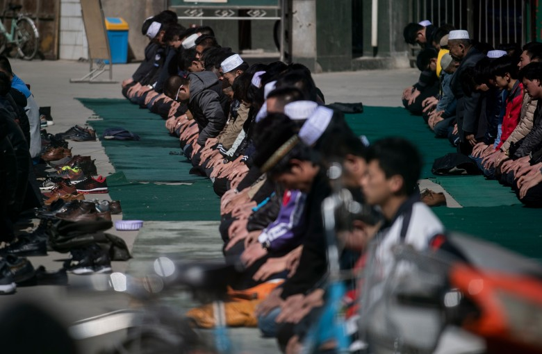 Fake resumes expose hiring biases against Muslims in China