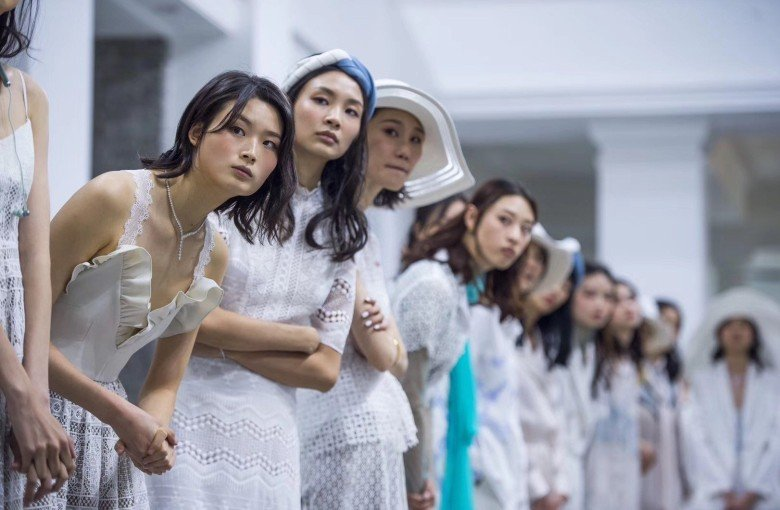 Designing clothes for China's working women